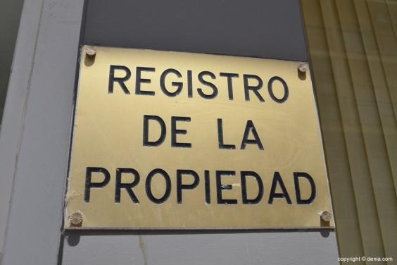 Registro_propiedad_cartel
